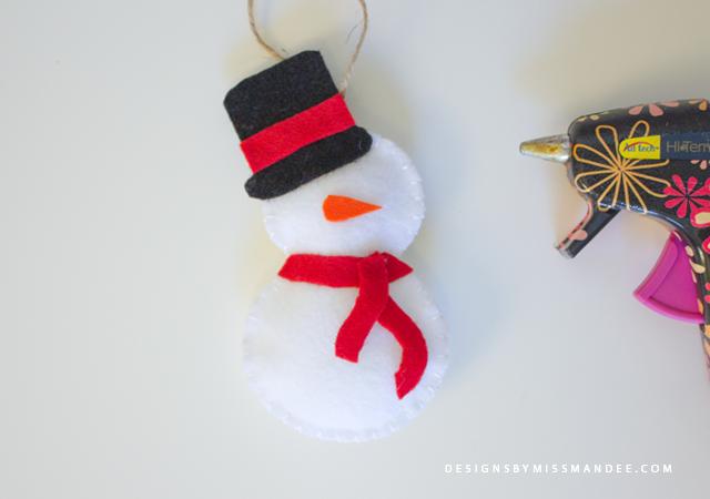 DIY Snowman Car Diffusers